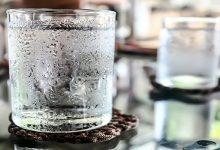 نوشیدن آب سرد