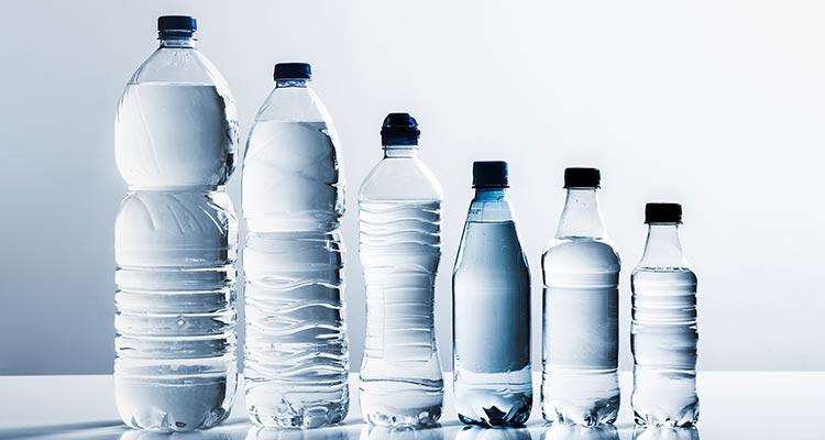 احتیاط در مصرف بطری های نوشیدنی