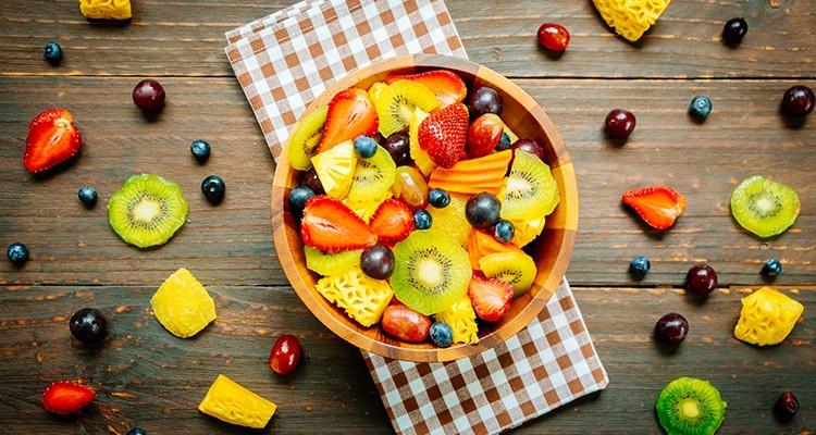 کنترل چاقی با مصرف درست میوه
