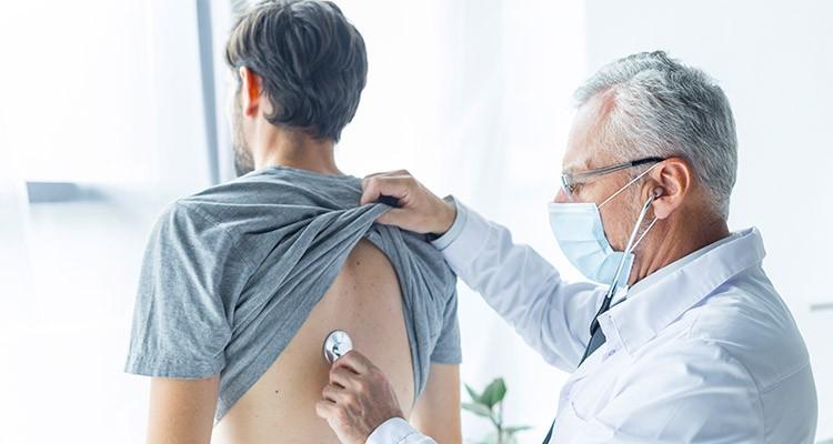 خود درمانی عفونت ریه و مشکلات تنفسی ناشی از بیماری کرونا ممنوع!