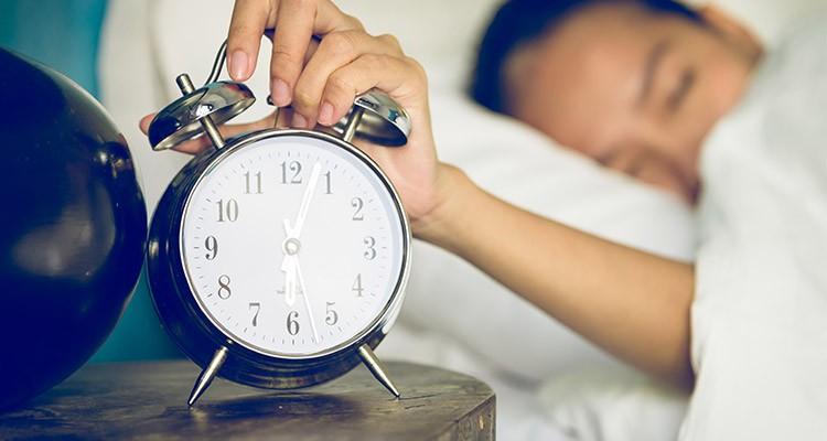 عوارض بیخوابی و درمان آن با طب سنتی