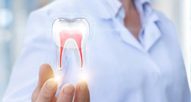 ۱۳ توصیه طب سنتی برای سلامت دهان و دندان
