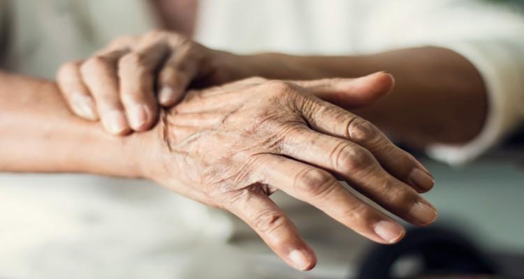 پارکینسون ؛ علائم، پرهیزات و راهکارهای درمانی
