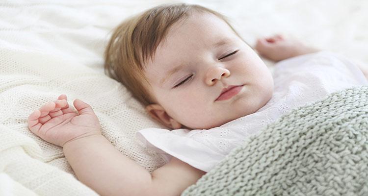 بهبود خواب نوزادان با تدابیر طب سنتی