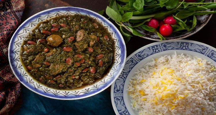 طرز تهیه قرمه سبزی با لوبیا عروس