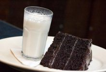 عدم مصرف شیر با کیک و چای با هل و دارچین