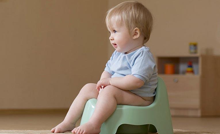 پیشگیری و درمان خانگی یبوست در کودکان