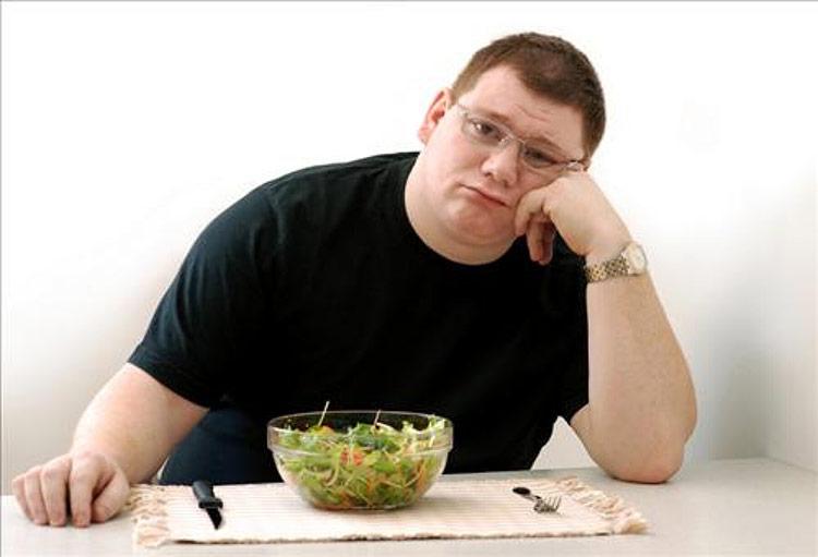 چرا من آب یا سالاد هم میخورم؛ چاق میشم؟
