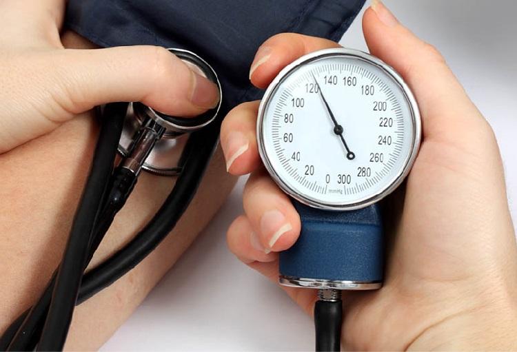 آیا میدانستید یبوست بر فشارخون بالا یا پرفشاری خون؛ تأثیر دارد؟