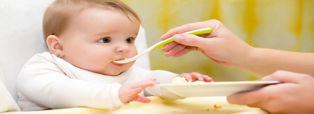 غذاهای مناسب برای شروع تغذیه کمکی در نوزادان