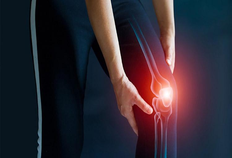 ۴ راهکار مهم خانگی در تسکین و درمان زانو درد