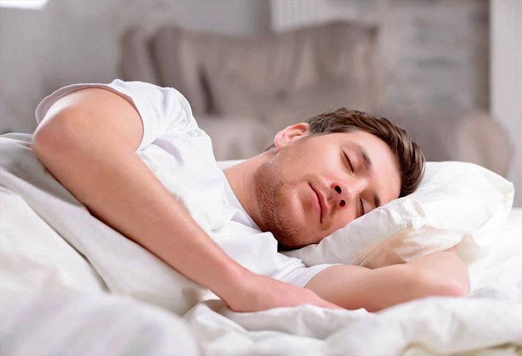 آیا میدانید چرا بر پهلو خوابیدن ؛ بهترین شکل خوابیدن است؟