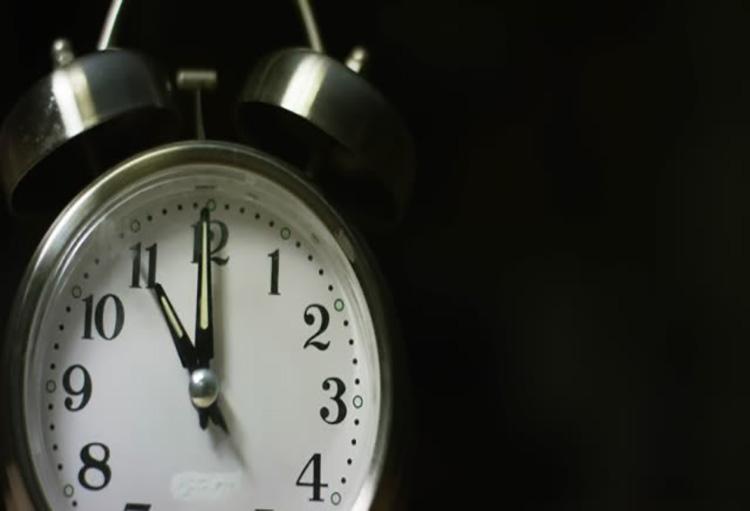 آیا میدانید علت تاکید بر خوابیدن در ساعت ۲۱ الی ۲۲ شب چیست؟