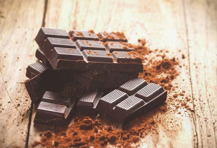 شکلات تلخ خوبه بخوریم؟