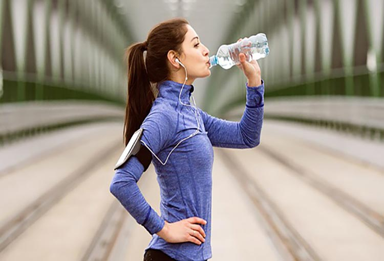 شرایط و میزان آب مصرفی هنگام ورزش از منظر طب ایرانی